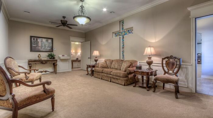 Profile Photos of Schaudt's Funeral Service & Cremation Care Centers 220 S Alabama Ave - Photo 8 of 18