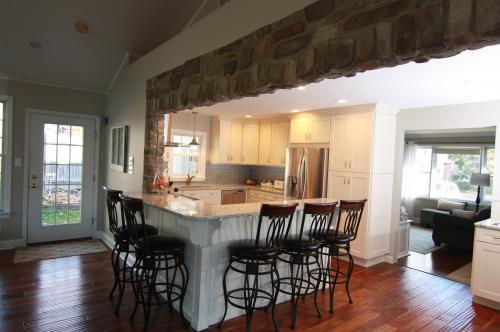 Profile Photos of Ryann Reed Design Build 2568 West Maple Ave - Photo 4 of 4