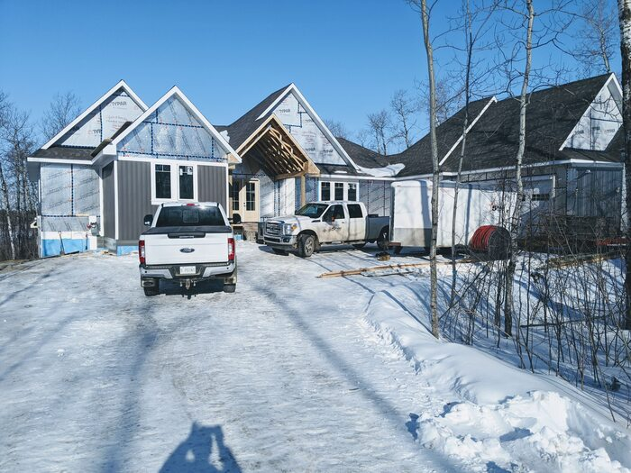 New Album of 5 Point Contracting Ltd 1 Creekside Drive - Photo 3 of 3