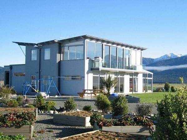 Profile Photos of Te Anau Holiday Houses 23a Pop Andrews Drive - Photo 3 of 5