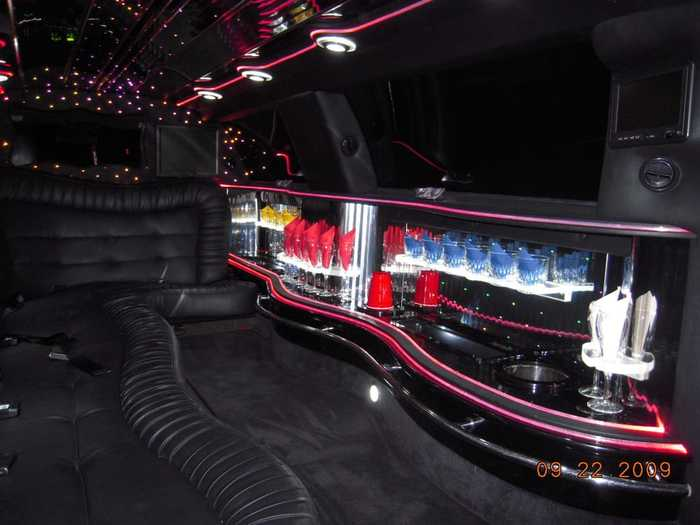 Gallery of Limo Stop Worldwide Transportation 1580 Oakland Road, Suite C-101 - Photo 4 of 4