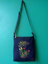 Monogrammed Tote Bags of Stitchin Chicks Embroidery
